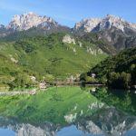 許多旅行者注意到使賈布蘭尼察有別於波斯尼亞其他地方的地方